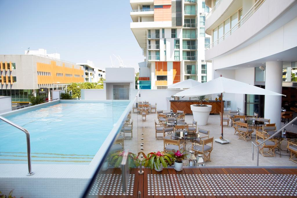 Rydges Brisbane - Pool
