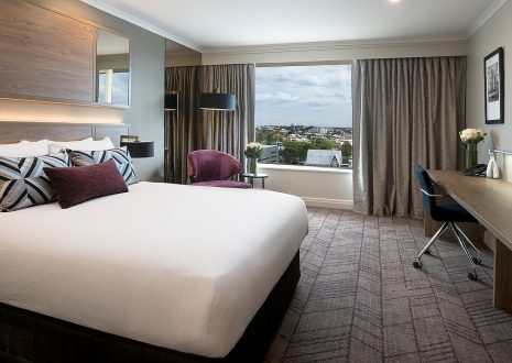 Rydges Brisbane - Standard Queen Room